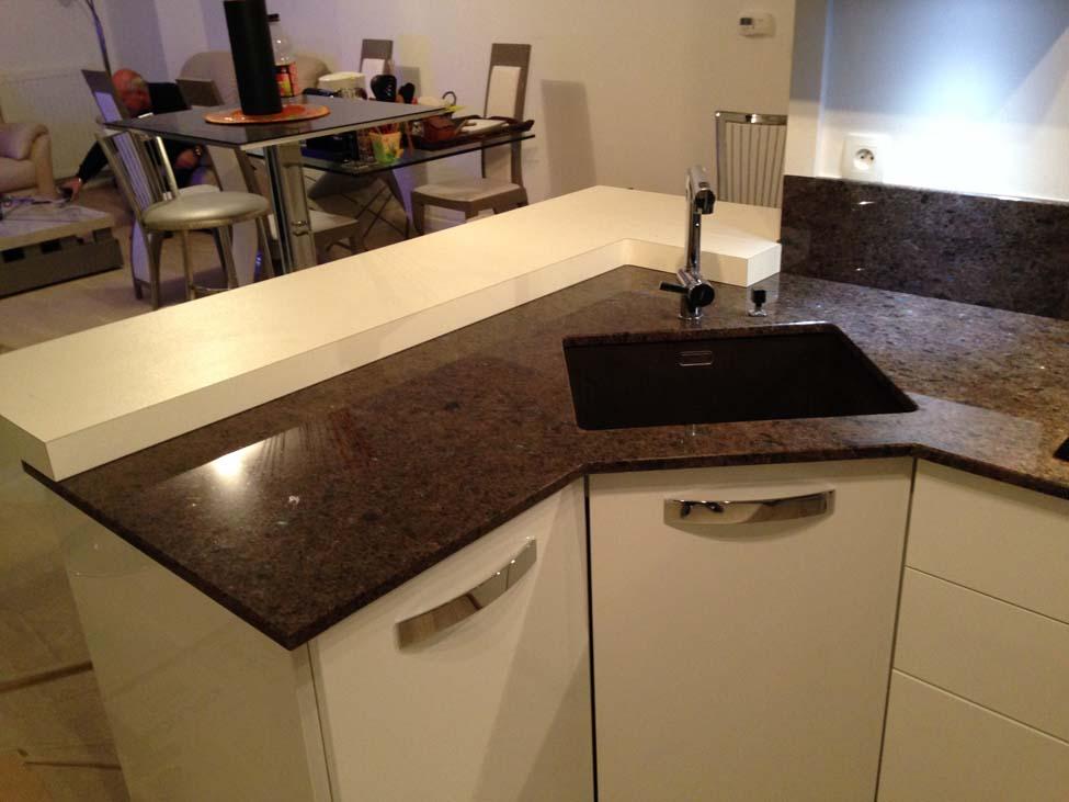 plan de travail en granit noir best granit plan de travail cuisine prix superb prix plan de. Black Bedroom Furniture Sets. Home Design Ideas