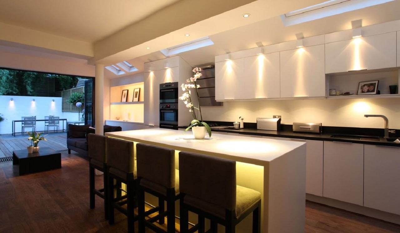 Spot Au Dessus Evier Cuisine déco cuisine : optimiser l'éclairage | plans pluriel